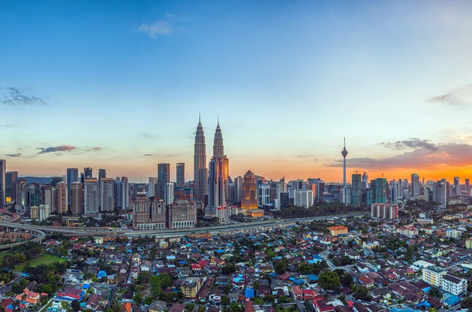 Địa Điểm Du Lịch Malaysia: Hai Bờ Đông – Tây