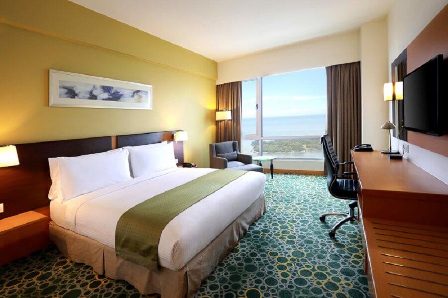 Holiday-Inn-Melaka-02