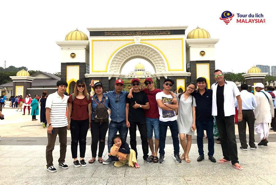 Công ty đăng ký land tour Malaysia