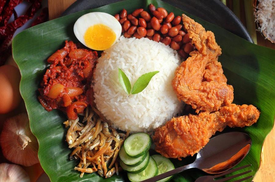 nasi-lemak-am-thuc-malaysia