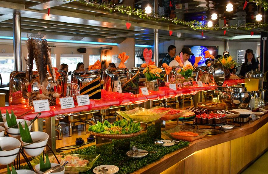 ăn tối buffet trên du thuyền north borneo Kota Kinabalu